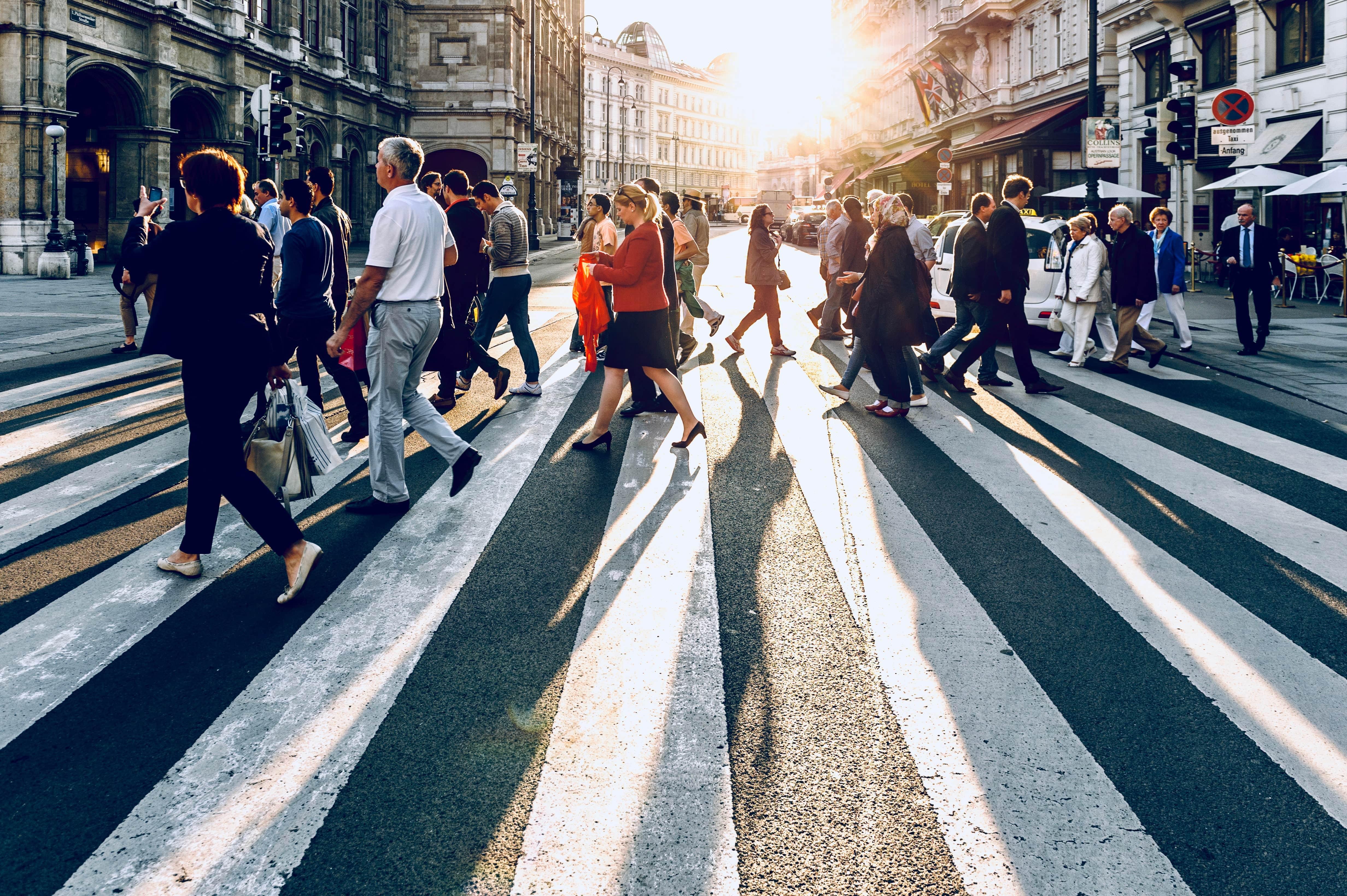 Tieni la distanza: mercati finanziari, identità e senso del confine al tempo del Coronavirus